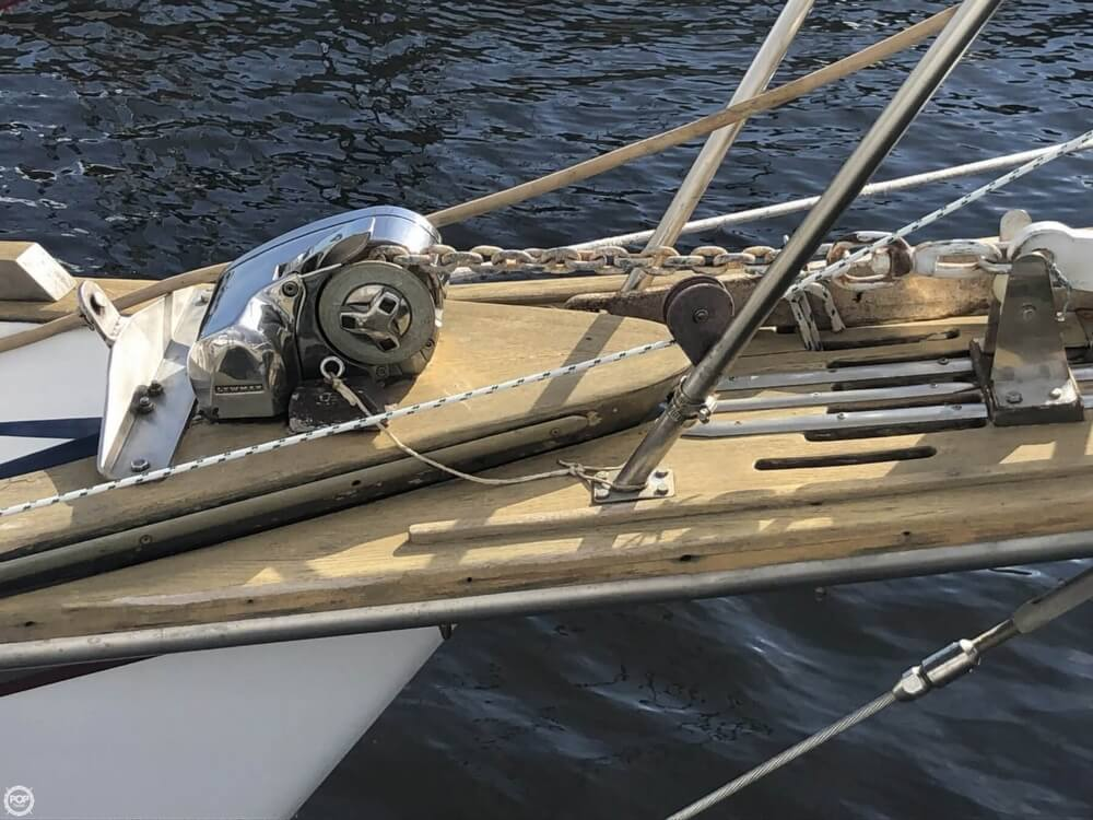1981 Endeavour boat for sale, model of the boat is 37 & Image # 32 of 40