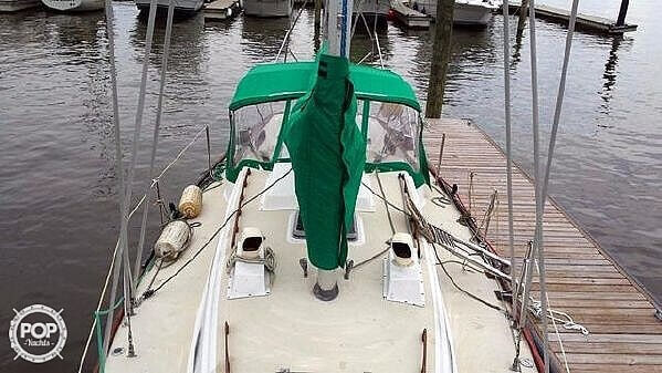 1976 Pearson boat for sale, model of the boat is 35 & Image # 9 of 40