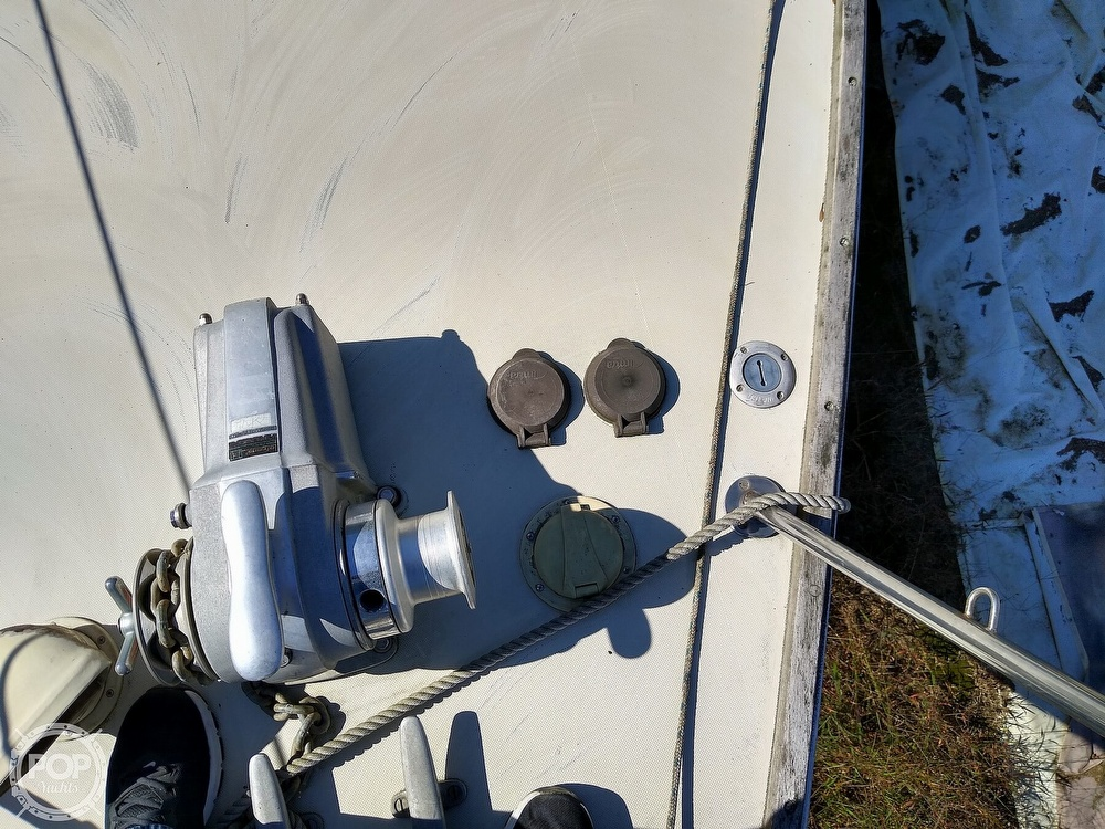 1976 Pearson boat for sale, model of the boat is 35 & Image # 11 of 40