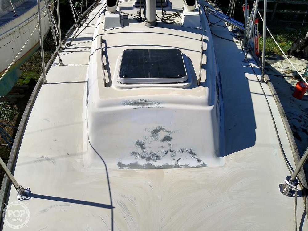 1976 Pearson boat for sale, model of the boat is 35 & Image # 14 of 40