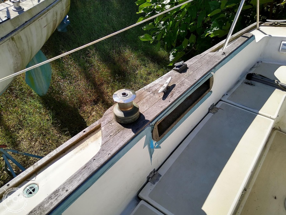 1976 Pearson boat for sale, model of the boat is 35 & Image # 23 of 40