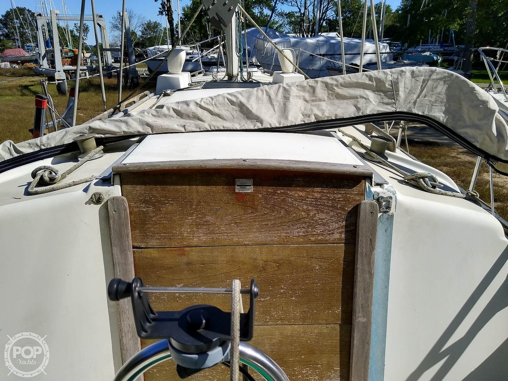 1976 Pearson boat for sale, model of the boat is 35 & Image # 27 of 40