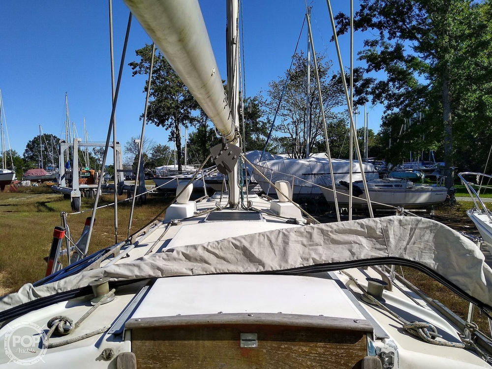 1976 Pearson boat for sale, model of the boat is 35 & Image # 28 of 40