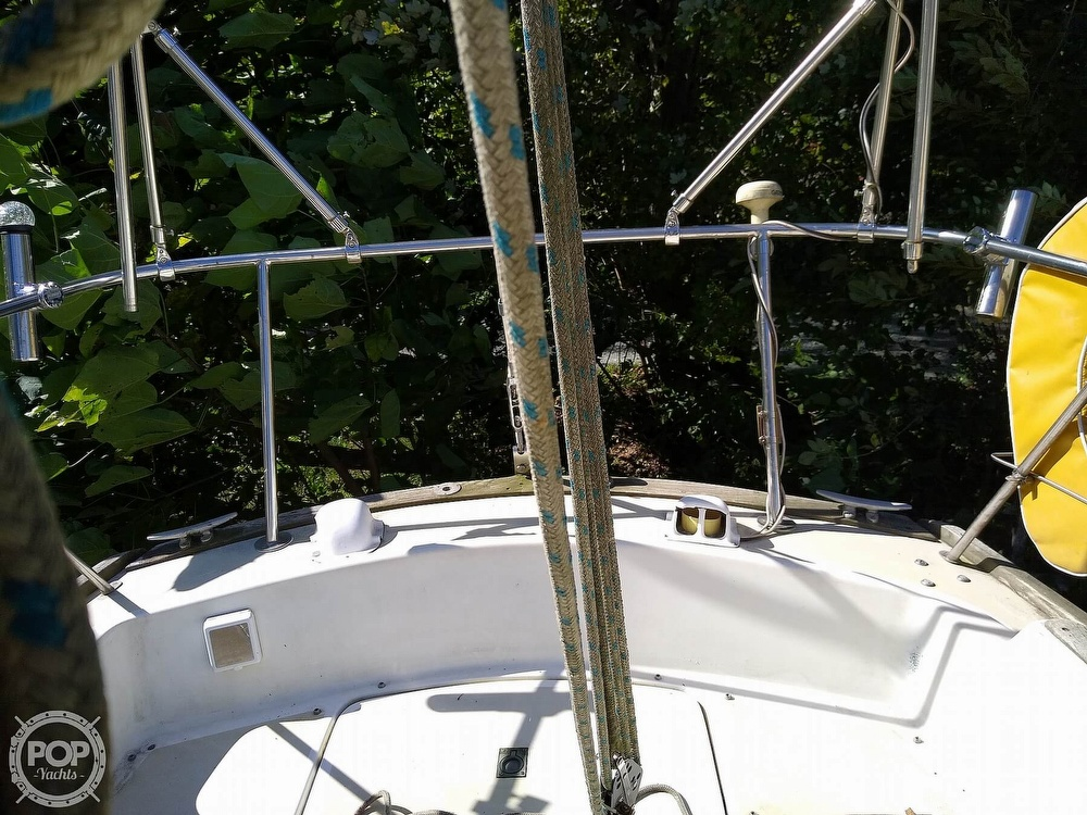 1976 Pearson boat for sale, model of the boat is 35 & Image # 30 of 40