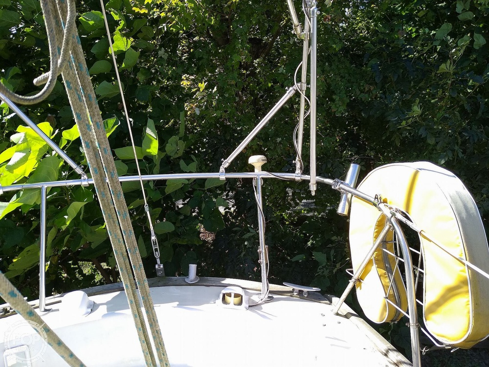 1976 Pearson boat for sale, model of the boat is 35 & Image # 33 of 40