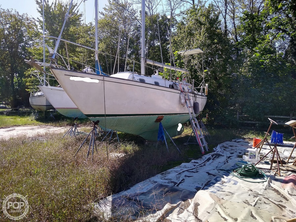1976 Pearson boat for sale, model of the boat is 35 & Image # 5 of 40