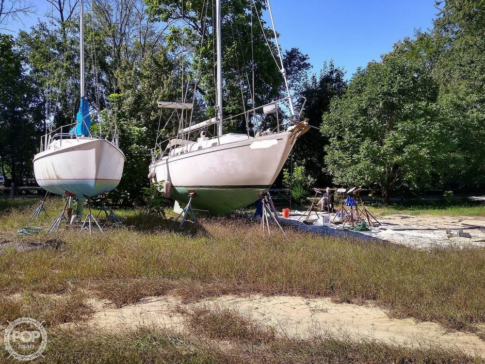 1976 Pearson boat for sale, model of the boat is 35 & Image # 6 of 40