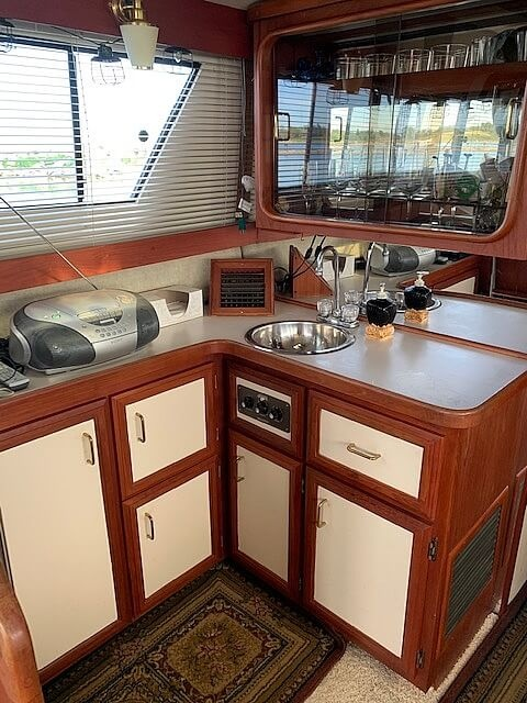 1988 Carver boat for sale, model of the boat is 36 Mariner & Image # 6 of 14