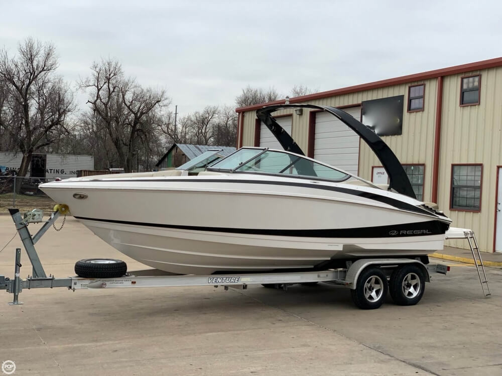 2011 Regal boat for sale, model of the boat is 2300 Bowrider & Image # 7 of 40