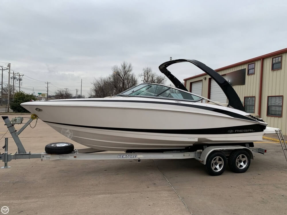 2011 Regal boat for sale, model of the boat is 2300 Bowrider & Image # 8 of 40