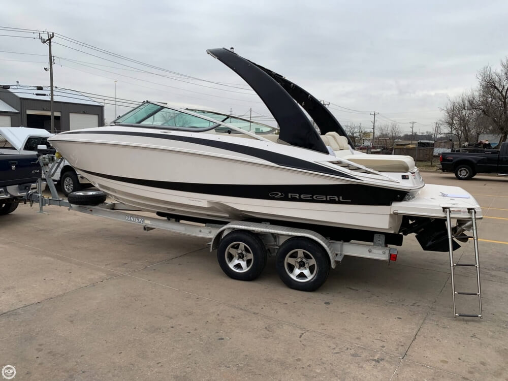 2011 Regal boat for sale, model of the boat is 2300 Bowrider & Image # 10 of 40