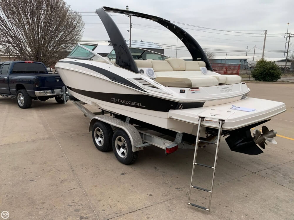2011 Regal boat for sale, model of the boat is 2300 Bowrider & Image # 11 of 40