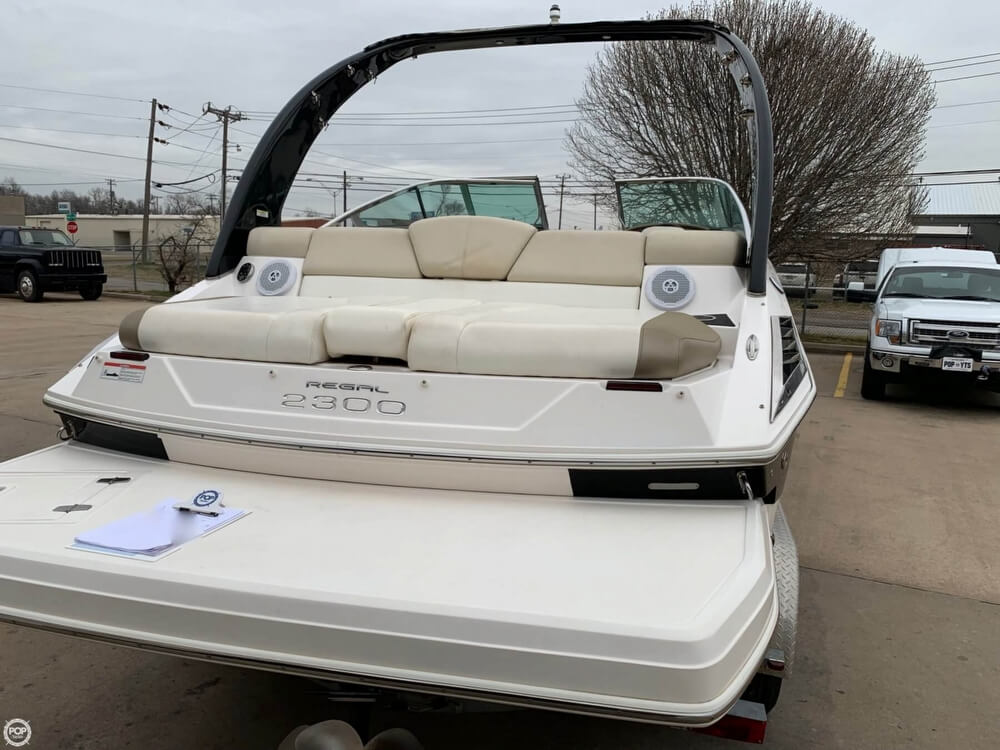 2011 Regal boat for sale, model of the boat is 2300 Bowrider & Image # 14 of 40