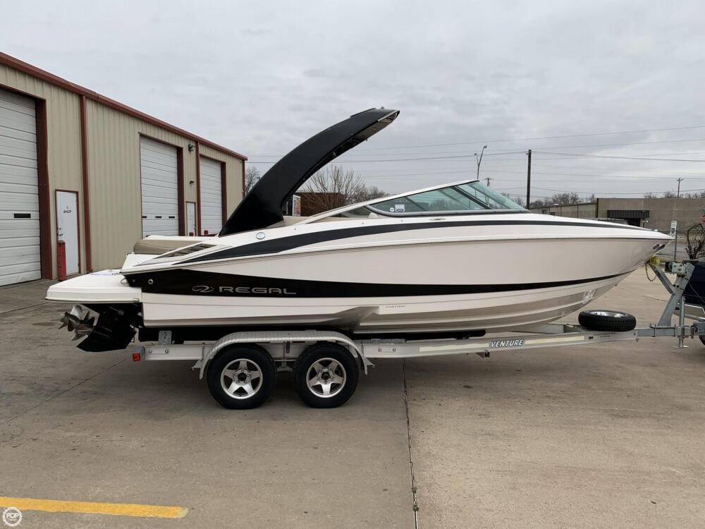2011 Regal boat for sale, model of the boat is 2300 Bowrider & Image # 3 of 40