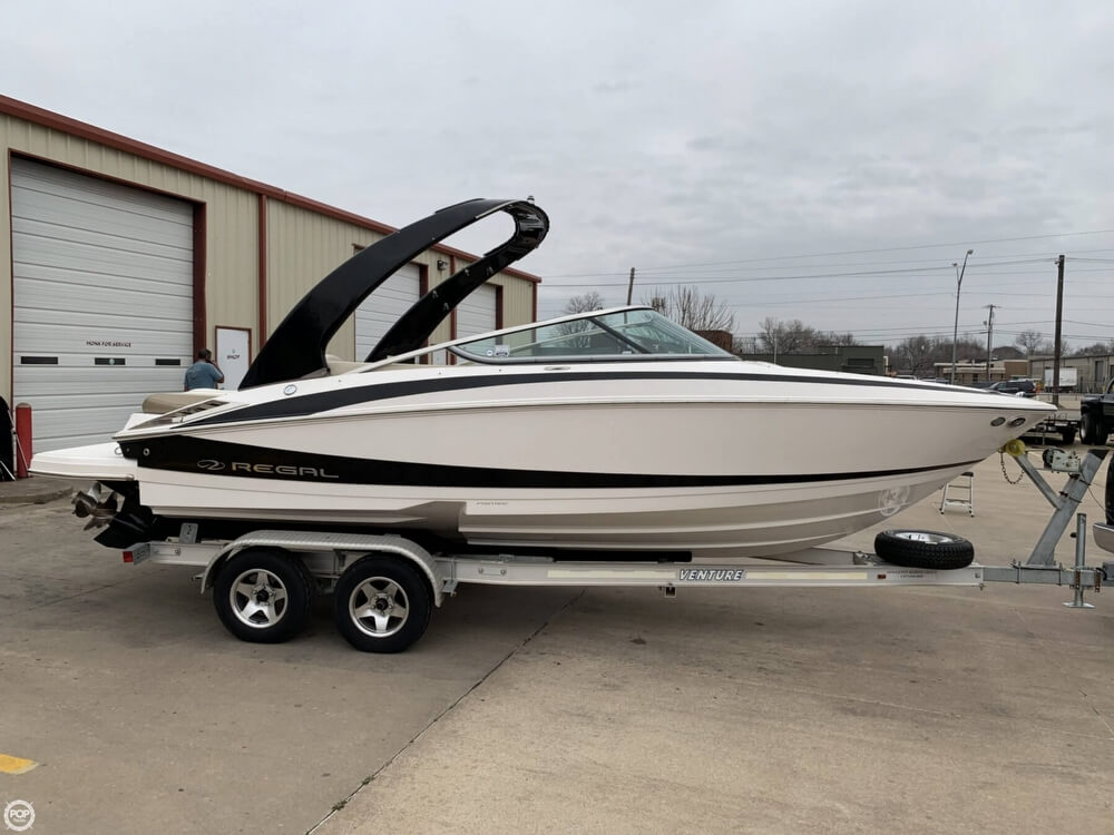 2011 Regal boat for sale, model of the boat is 2300 Bowrider & Image # 20 of 40