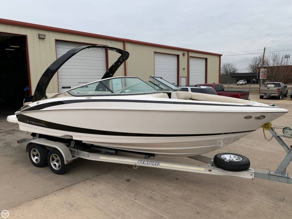 2011 Regal boat for sale, model of the boat is 2300 Bowrider & Image # 25 of 40
