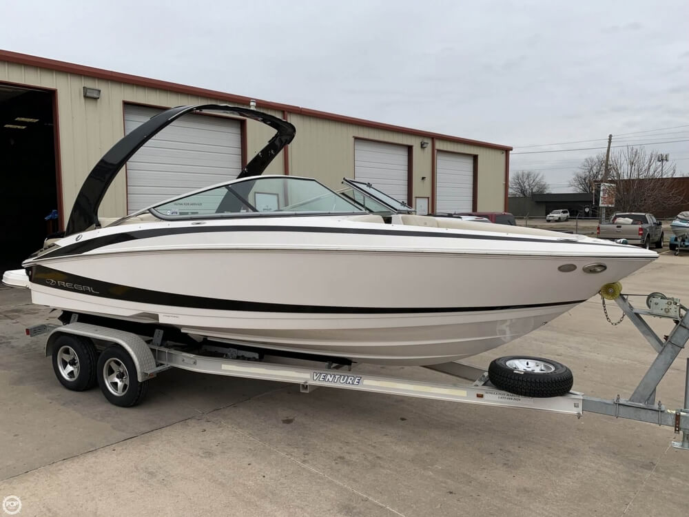 2011 Regal boat for sale, model of the boat is 2300 Bowrider & Image # 26 of 40