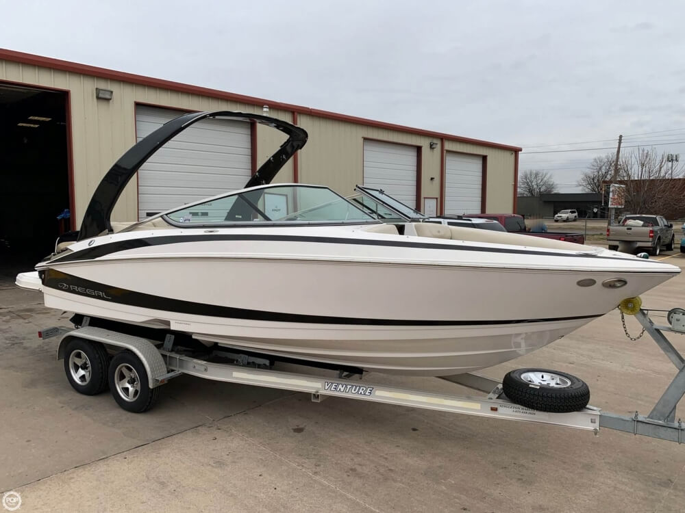 2011 Regal boat for sale, model of the boat is 2300 Bowrider & Image # 27 of 40