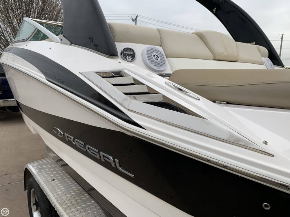 2011 Regal boat for sale, model of the boat is 2300 Bowrider & Image # 33 of 40