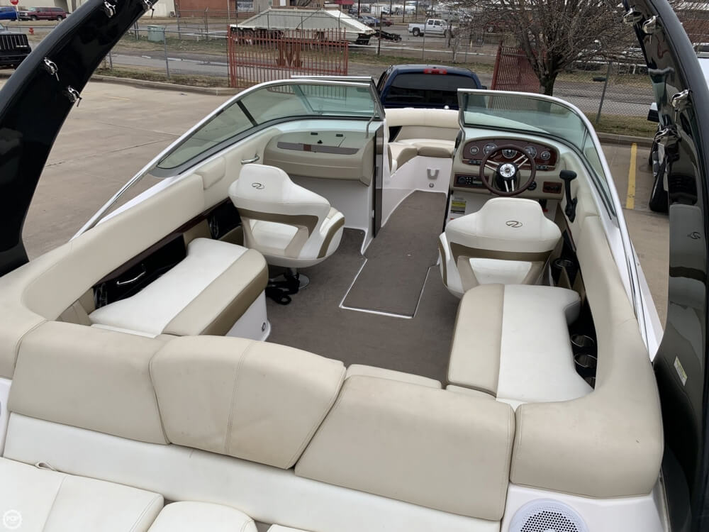 2011 Regal boat for sale, model of the boat is 2300 Bowrider & Image # 4 of 40