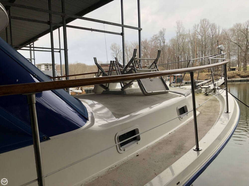 1986 Gulfstar boat for sale, model of the boat is 49 & Image # 10 of 40