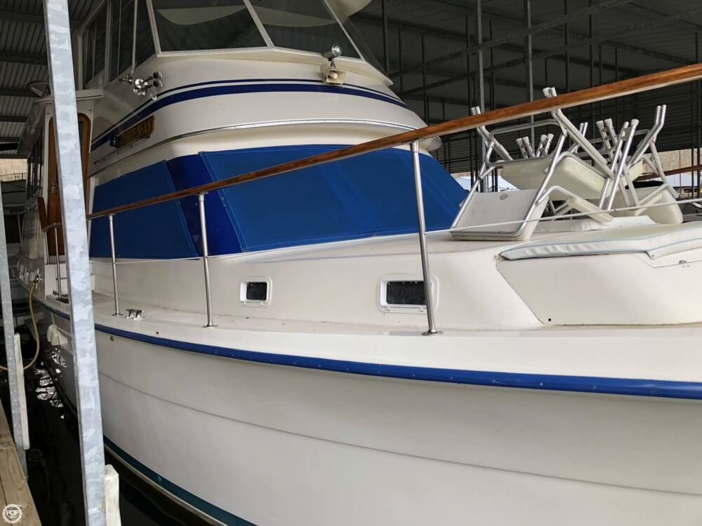 1986 Gulfstar boat for sale, model of the boat is 49 & Image # 12 of 40