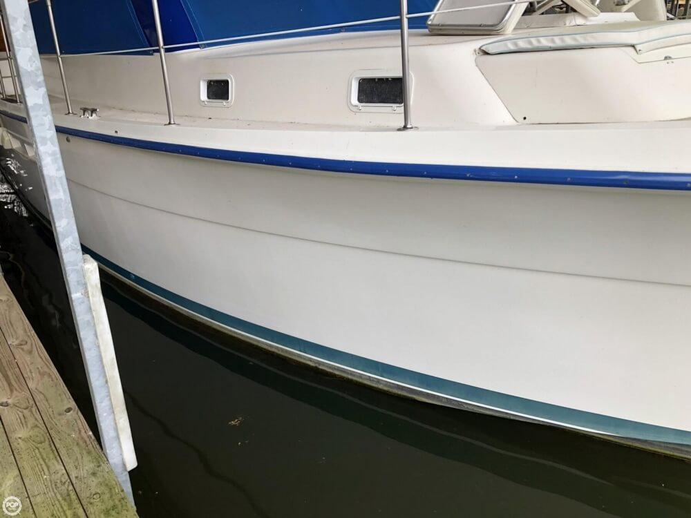 1986 Gulfstar boat for sale, model of the boat is 49 & Image # 14 of 40