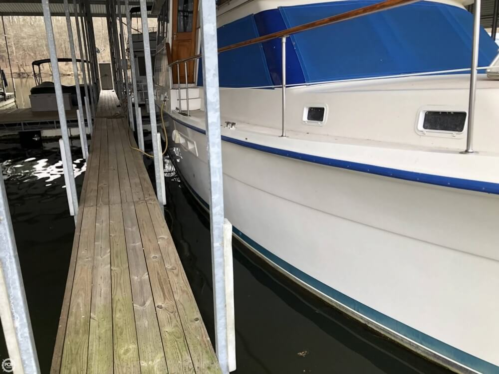 1986 Gulfstar boat for sale, model of the boat is 49 & Image # 15 of 40