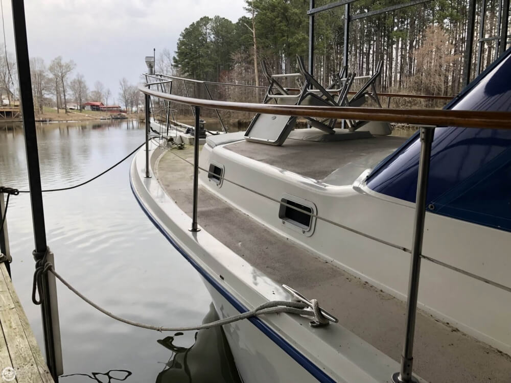 1986 Gulfstar boat for sale, model of the boat is 49 & Image # 18 of 40