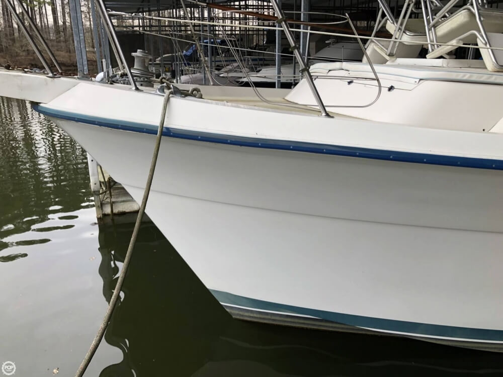 1986 Gulfstar boat for sale, model of the boat is 49 & Image # 20 of 40