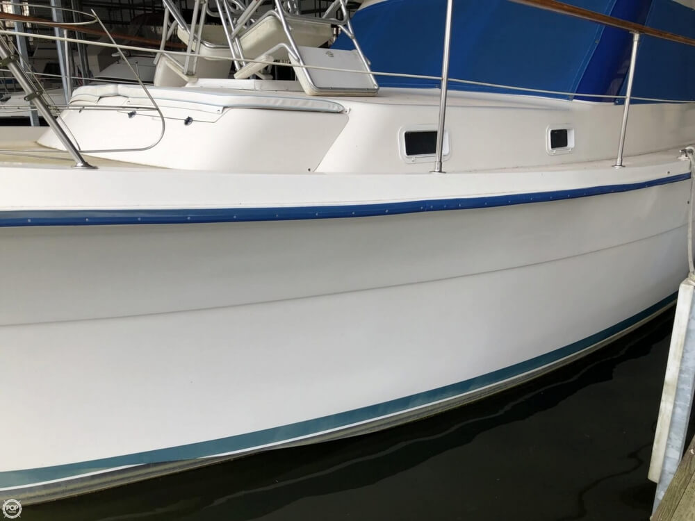 1986 Gulfstar boat for sale, model of the boat is 49 & Image # 21 of 40