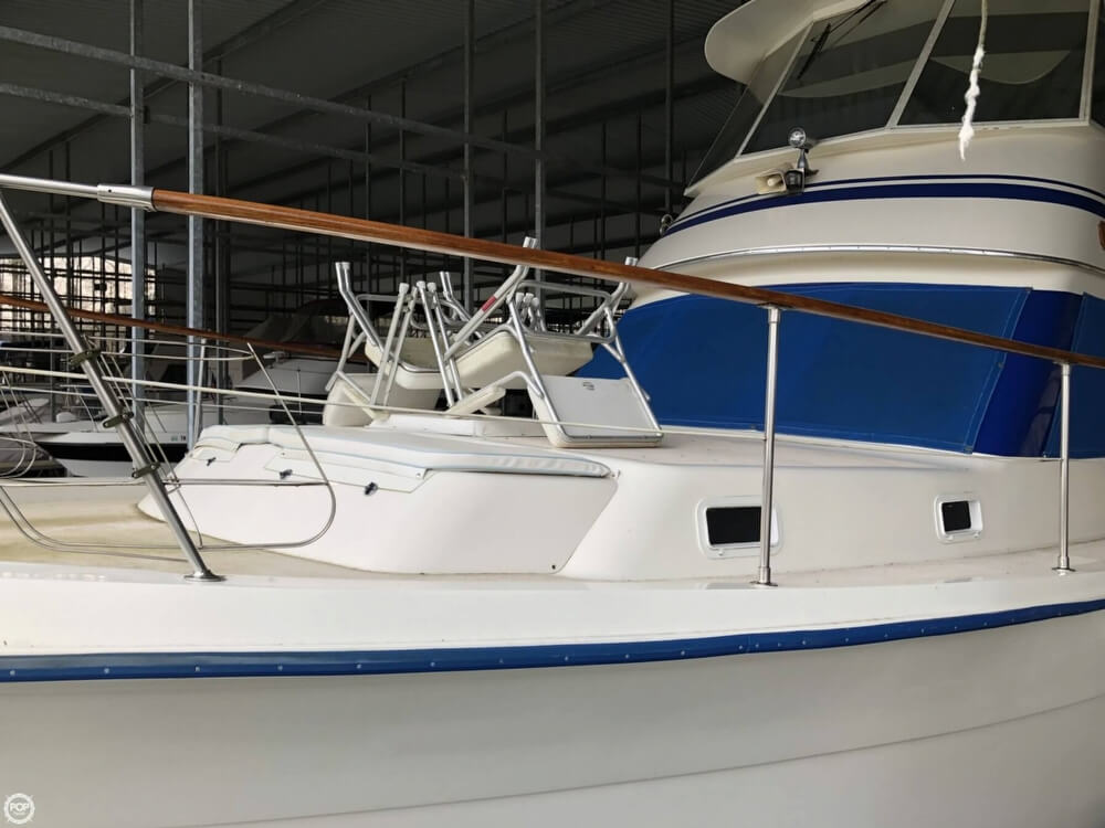 1986 Gulfstar boat for sale, model of the boat is 49 & Image # 23 of 40
