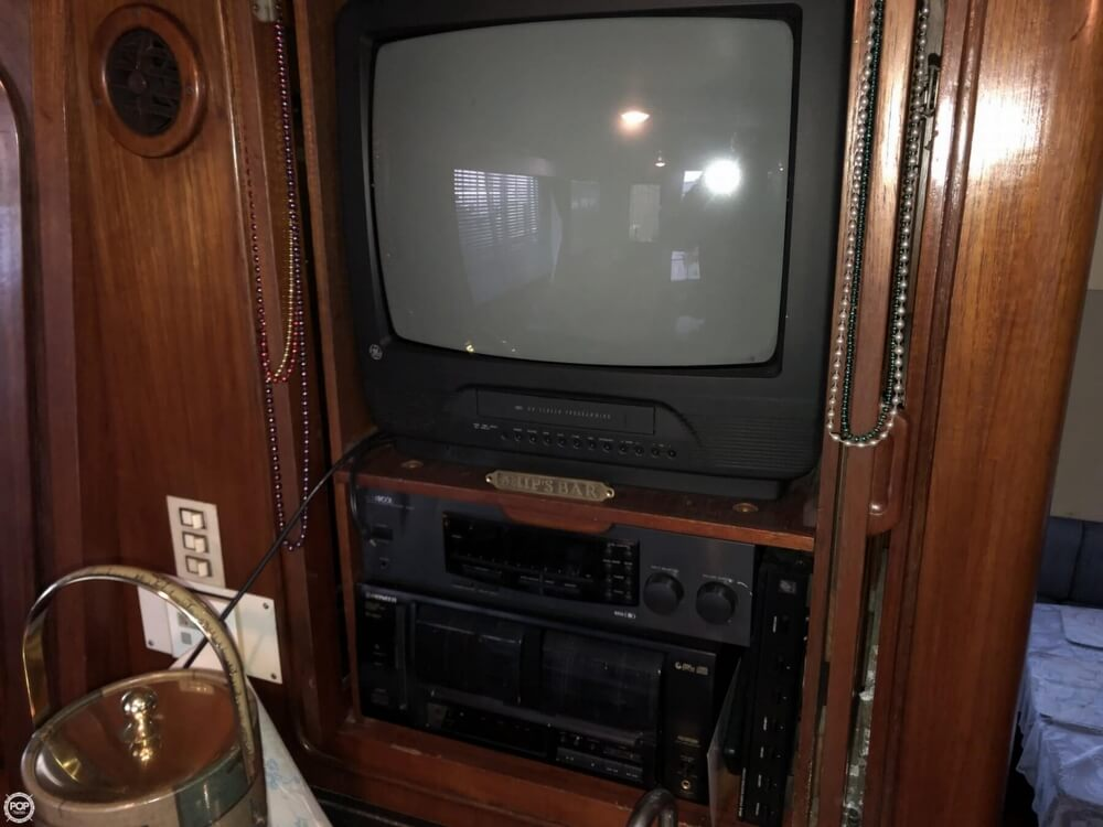 1986 Gulfstar boat for sale, model of the boat is 49 & Image # 36 of 40
