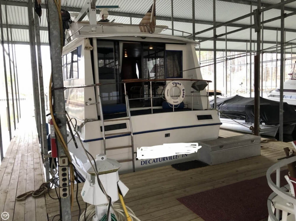 1986 Gulfstar boat for sale, model of the boat is 49 & Image # 3 of 40