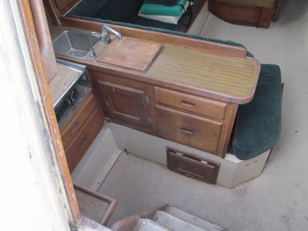 1978 Catalina Yachts boat for sale, model of the boat is 30 & Image # 18 of 41