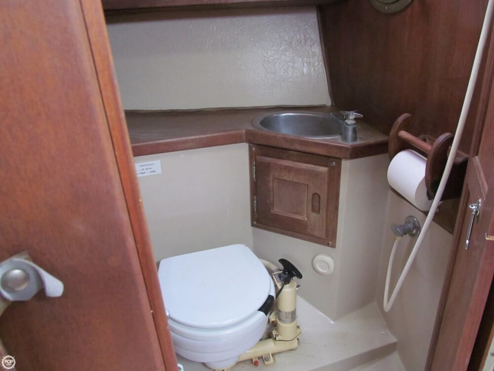 1978 Catalina Yachts boat for sale, model of the boat is 30 & Image # 38 of 41