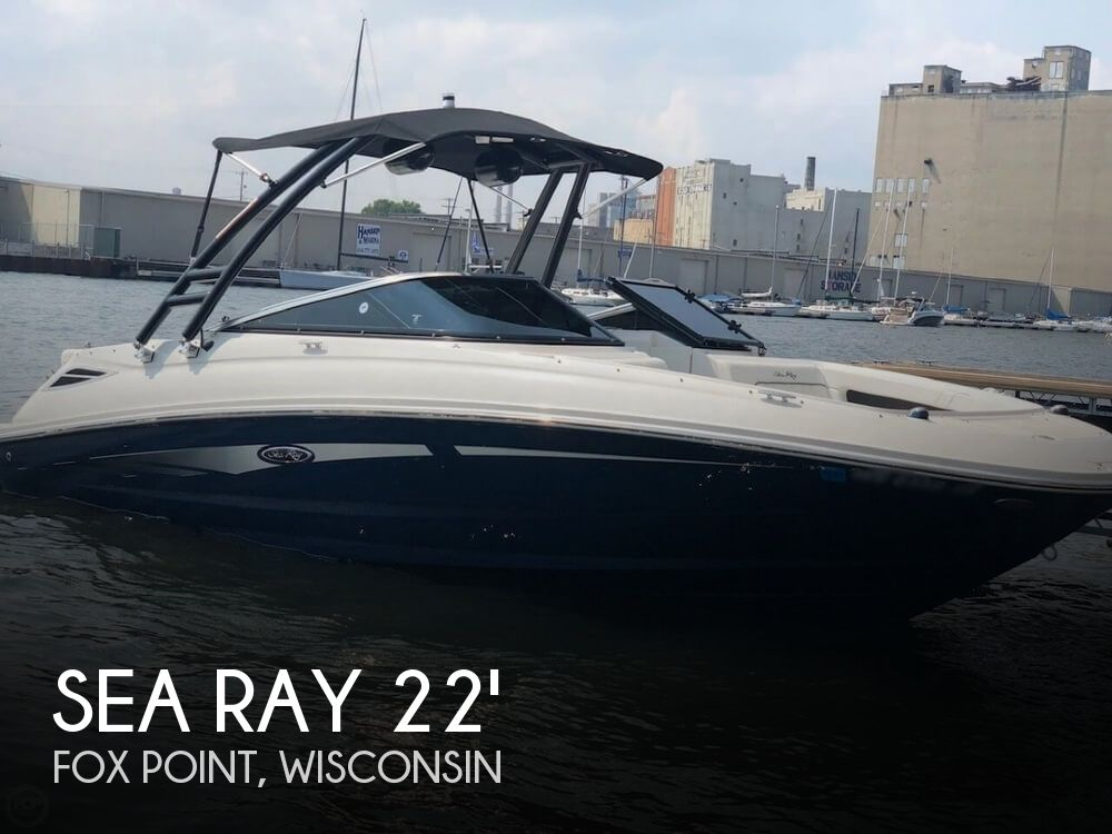 2015 Sea Ray 220 SD (Sundeck)