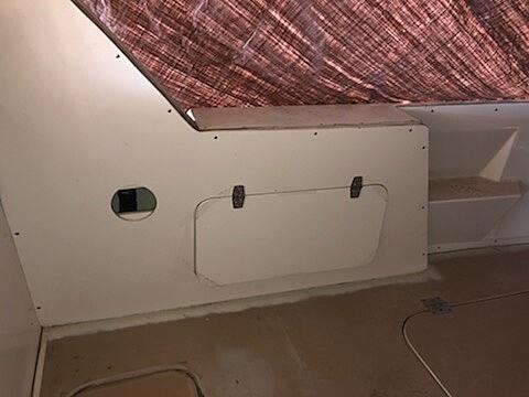 1970 Uniflite boat for sale, model of the boat is 31 Fly Bridge & Image # 9 of 15
