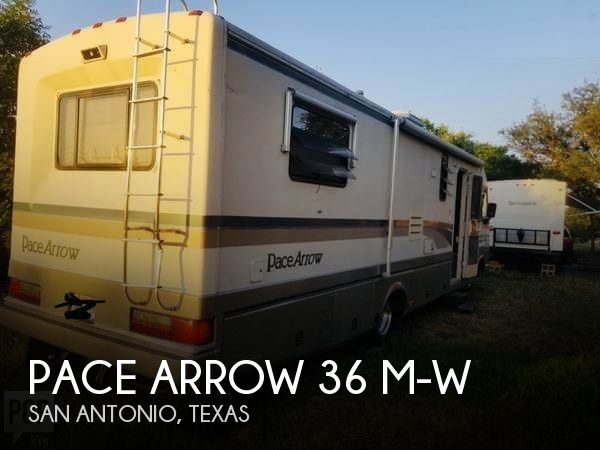 1995 Fleetwood Pace Arrow 36 M-W