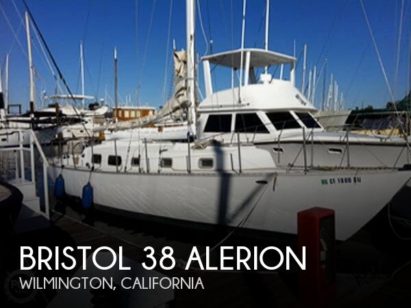 1972 Bristol boat for sale, model of the boat is 38 Aileron & Image # 1 of 4