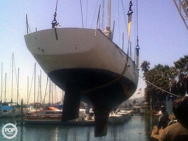 1972 Bristol boat for sale, model of the boat is 38 Aileron & Image # 2 of 4