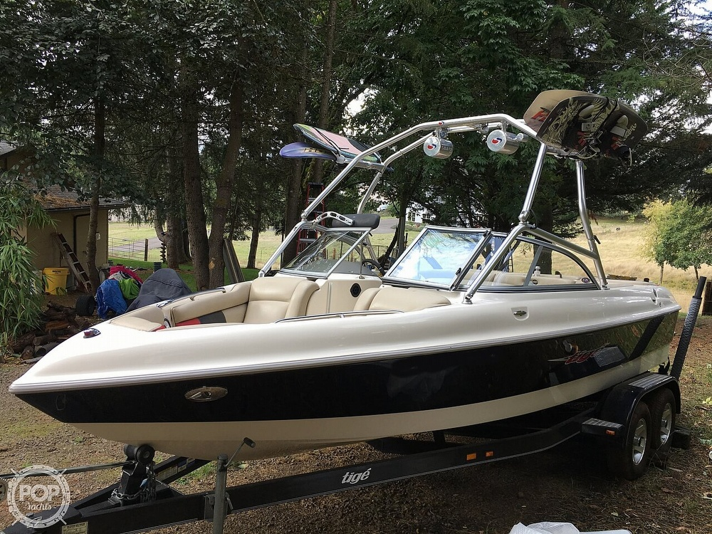 2004 Tige boat for sale, model of the boat is 22V Limited & Image # 8 of 40