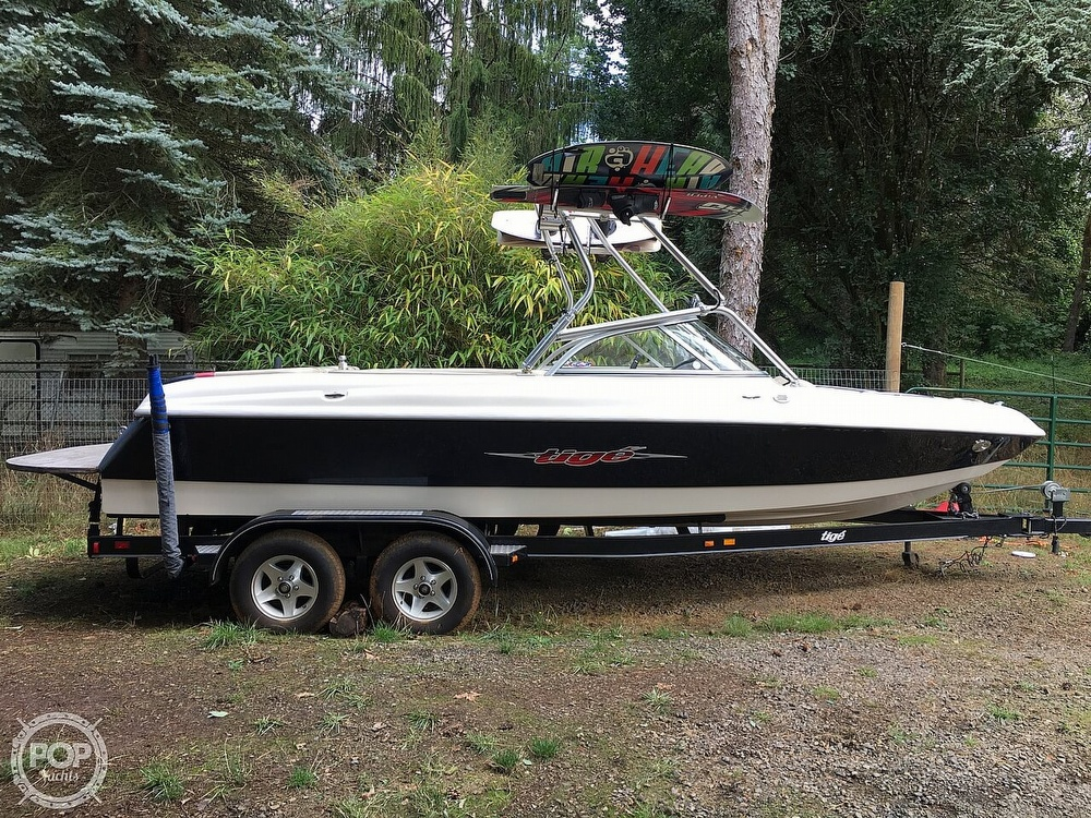 2004 Tige boat for sale, model of the boat is 22V Limited & Image # 3 of 40
