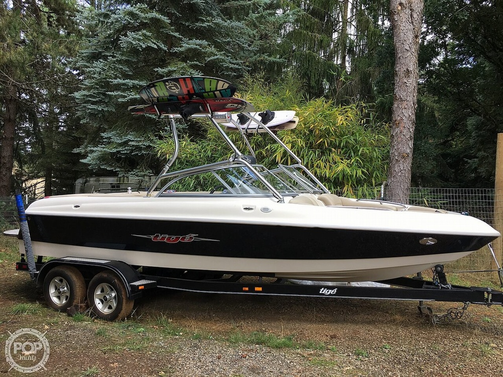 2004 Tige boat for sale, model of the boat is 22V Limited & Image # 2 of 40