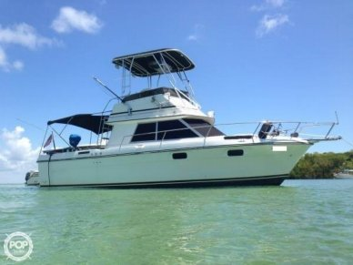 Cruisers 298 Villa Vee, 29', for sale - $33,900