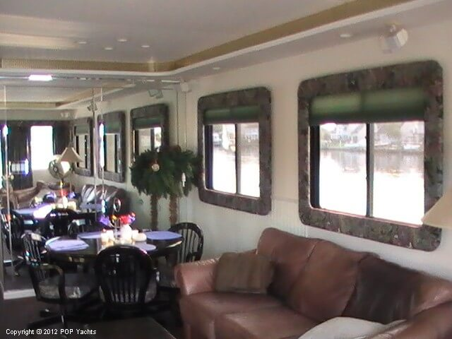 1999 New Orleans Custom Houseboat - Photo #9
