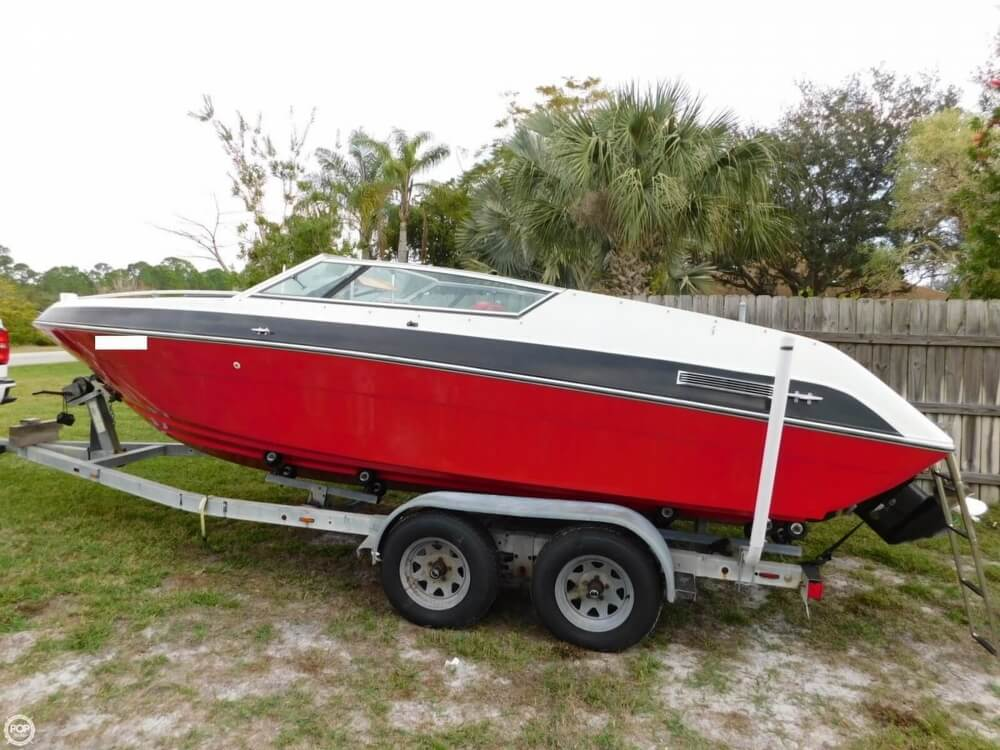 1988 Four Winns boat for sale, model of the boat is Liberator 201 & Image # 3 of 40