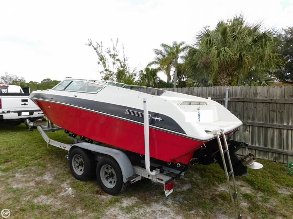 1988 Four Winns boat for sale, model of the boat is Liberator 201 & Image # 4 of 40