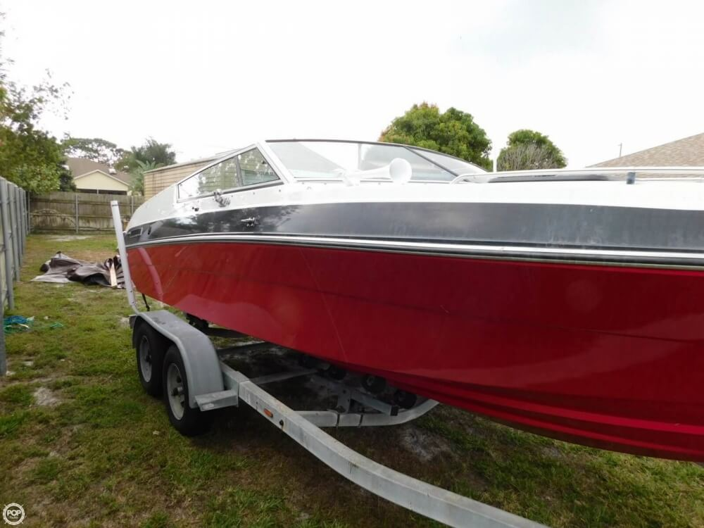 1988 Four Winns boat for sale, model of the boat is Liberator 201 & Image # 12 of 40