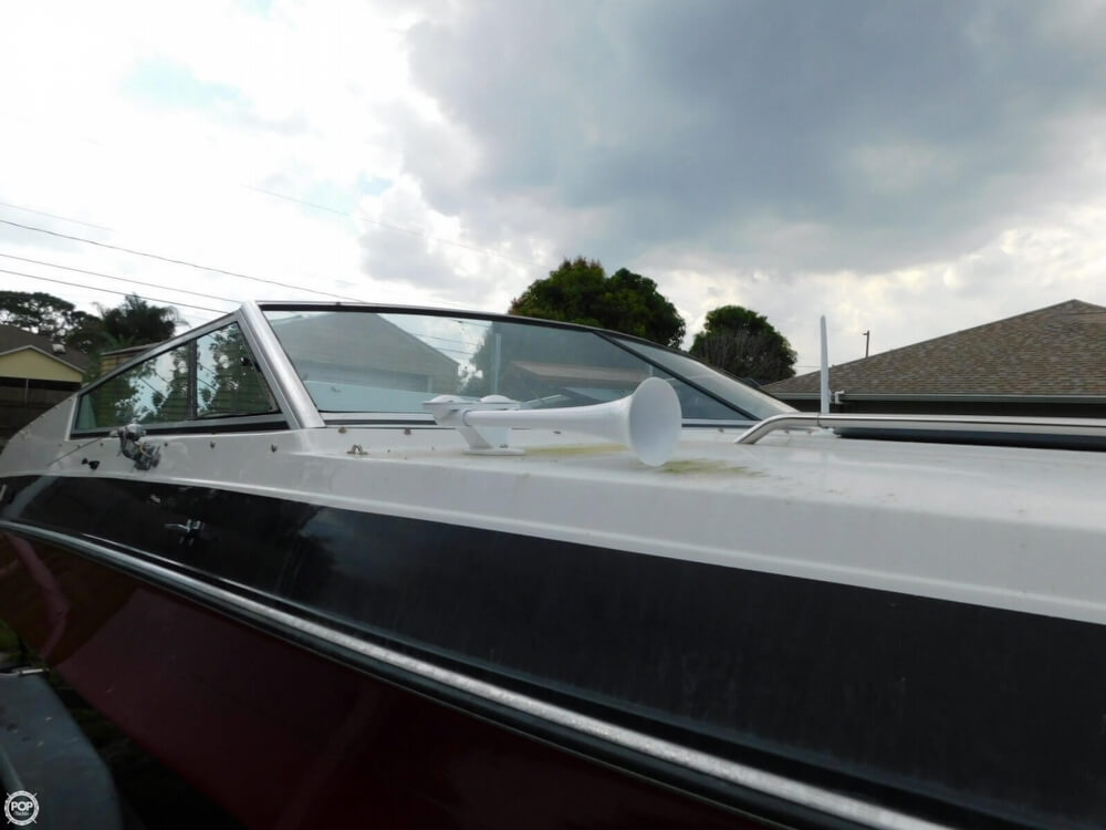 1988 Four Winns boat for sale, model of the boat is Liberator 201 & Image # 13 of 40